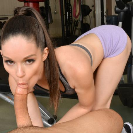 Petite Babe Jenna J Ross Fucks a Stranger in the Gym