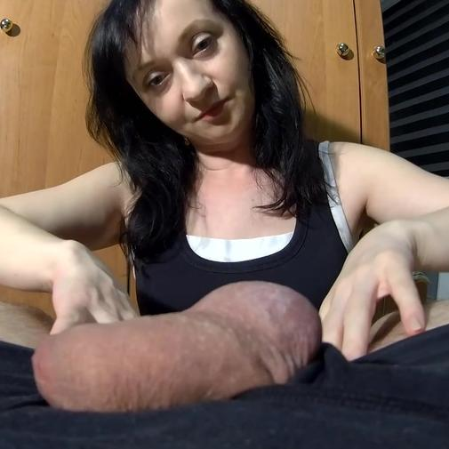 Maya's sensual homemade blowjob