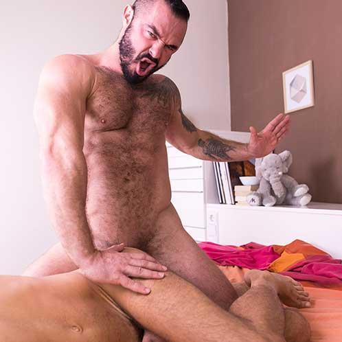 Hot Gay Daddy!!