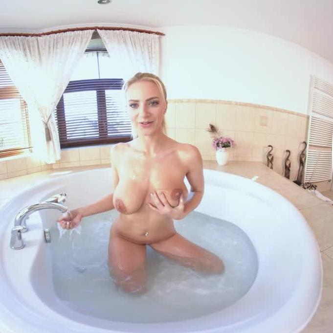 MILF Takes A Bath